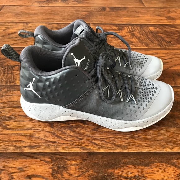 quality design df0ad 9b3c6 Jordan Other - Mens Jordan Extra Fly Basketball Shoes 👟